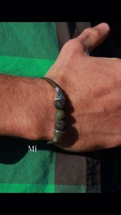 Mit Mut fangen die schönsten Geschichten an 🔥 Bracelet Crafts, Fashion Quotes, Friendship Bracelets, Sustainability, Fashion Show, Bob, Nice Asses, Bob Cuts, Bob Sleigh
