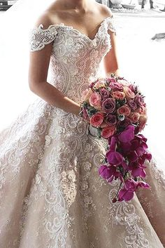 55 Breathtaking Disney Princess Wedding Dress to Fullfill your Wedding Fantasy - VIs-Wed Mak Tumang Gowns, Dream Wedding Dresses, Bridal Dresses, Bridesmaid Dresses, Applique Wedding Dress, Princess Wedding, Bella Wedding, Wedding Attire, Gown Wedding
