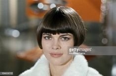 November 1967 portrait of the singer Mireille MATHIEU while she was recording an end-of-year televised program at the Buttes-Chaumont studio in Paris Get premium, high resolution news photos at Getty Images 2018 Haircuts, Short Bob Haircuts, Cool Haircuts, Shag Hairstyles, Unique Hairstyles, Best Bobs, Beauty Portrait, Cute Cuts, French Girls