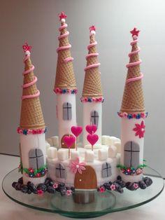 Schloss Mädchen Torte Fondant Eistüten                                                                                                                                                                                 Mehr