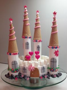 Schloss Mädchen Torte Fondant Eistüten