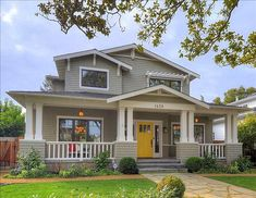 Craftsman style home. <3 the yellow door
