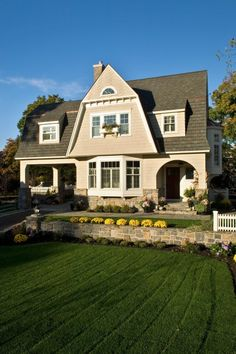 So beautiful:-) A house that is a home.
