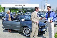 Autowechsel – Je jünger, je schneller.  Im Schnitt steht schon nach 5,6 Jahren der Kauf eines neuen Fahrzeugs an.