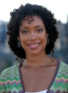 You haven't seen Gina Torres co-star on the series Suits (USA Network) you must see this stunning beauty/actress do her thing effortlessly.