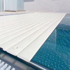 Piscines spas piscine miroir sur lev e niveau variable for Mini piscine miroir