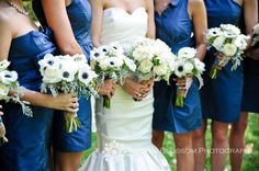anemones and a beautiful, elegant all-white bouquet for the bride