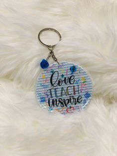 Diy Resin Keychain, Acrylic Keychains, Diy Resin Art, Resin Crafts, Keychain Design, Keychain Ideas, Teacher Appreciation Gifts, Teacher Gifts, Personalised Badges