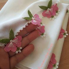 @igneden_iplige_sanat #igneoyasimodelleri #sunum #elemeği #göznuru #ceyizlik #havlu #mutfakhavlusu #namazörtüsü #tülbent #igneoyasi… Hand Embroidery Videos, Hand Embroidery Stitches, Embroidery Designs, Baby Knitting Patterns, Crochet Patterns, Crochet Hammock, Saree Tassels Designs, Woolen Craft, Handmade Rakhi