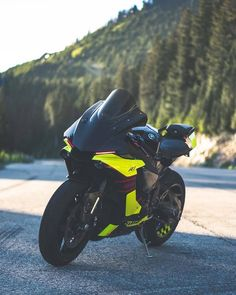 Image may contain: motorcycle, outdoor and nature R1 Bike, Moto Bike, Motorcycle Bike, Yamaha R1, Yamaha Motorcycles, Ducati Motorbike, Bike Photography, Motorcycle Design, Super Bikes