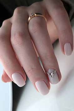 Semi-permanent varnish, false nails, patches: which manicure to choose? - My Nails Wedding Manicure, Wedding Nails For Bride, Bride Nails, Wedding Nails Design, Prom Nails, Wedding Makeup, Bridal Makeup, Weding Nails, Natural Wedding Nails