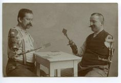 WWI veterans play cards