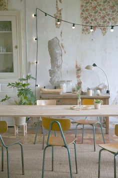Idee per arredare una sala da pranzo shabby chic n.16