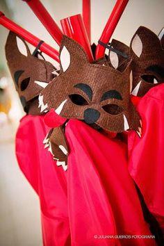 Máscaras de lobo mau para festa chapeuzinho vermelho! Red Riding Hood Party, Little Red, Diy Party, Diy For Kids, Costumes, Ale, Christmas Ornaments, Picnic, Holiday Decor