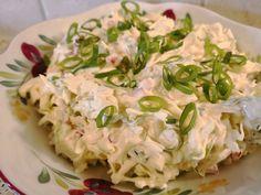 Frisk kålsalat | frisk og fin med lavkarbo Lchf, Keto, Pasta, Frisk, Potato Salad, Tapas, Cabbage, Food And Drink, Potatoes