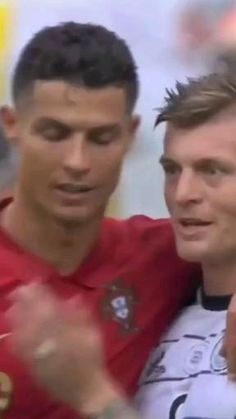 Download video HD on telegram : @burpins Cristiano Ronaldo Video, Ronaldo Videos, Ronaldo Juventus, Cr7 Football, National Football Teams, Gym Workout Chart, Gym Workouts, Football Tricks, Football Videos