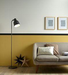 murs jaune noir et blanc, canapé vintage - yellow black et white wall, vintage sofa - couleur moutarde, mostard color