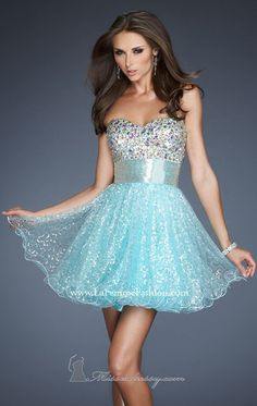 La Femme Prom dress Pool blue and sparkles all over. Six down to a four La Femme Dresses Prom Homecoming Dresses 2014, Prom Dresses, Formal Dresses, Evening Dresses, Graduation Dresses, Semi Dresses, Sparkly Dresses, Aqua Dresses, Homecoming Hair