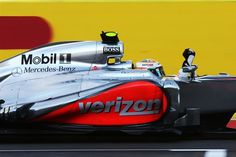 Race winner Lewis Hamilton (GBR) McLaren MP4-27 crosses the line.  Formula One World Championship, Rd19 United States Grand Prix, Race, Austin, Texas, 18 November 2012