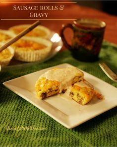 Looking for a flavorful, bready little roll that mixes up with the ease of a muffin and keeps in the fridge for days while tasting just as good anytime you want to grab one and Low Carb Meal Plan, Low Carb Dinner Recipes, Sugar Free Recipes, Low Carb Recipes, Real Food Recipes, Yummy Food, Healthy Recipes, Brunch Recipes, Baking Blend Recipe