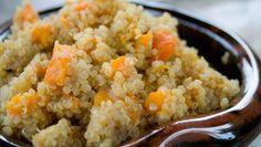 Há pratos que aconchegam o corpo e a alma...  Este é - sem dúvida - um deles! #Risoto_de_Quinoa_e_Abóbora #receitas #risoto #abóbora #quinoa #saudável #vegetariano