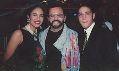 Selena Quintanilla and her husband, Chris Perez, pose with a fan. Selena Quintanilla Perez, Selena And Chris Perez, Daddy I Love You, American Idol Judges, Celebs, Celebrities, The Girl Who, Role Models, My Idol