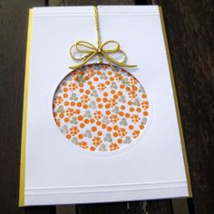 Look at this card! Very simple, but the effect is great. Stamps are by La Coppia Creativa: https://www.facebook.com/pages/La-Coppia-Creativa/540628659365283