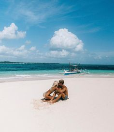 """77.9k Likes, 490 Comments - LAUREN BULLEN (@gypsea_lust) on Instagram: """"Tropical Love Today & everyday I'm grateful for you @doyoutravel happy love day!"""""""