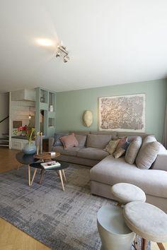 wohnzimmer in grau beige gebrochenem t rkis wohnung. Black Bedroom Furniture Sets. Home Design Ideas