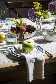 How to Style a Spring/Summer Table