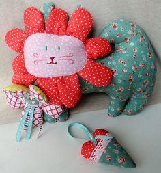 """""""Цветочные коты""""-подушки-игрушки"""