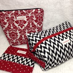 Zipper Bags, Travel Bags, Cosmetic Bag, Sewing Projects, Favorite Things, Quilts, Etsy, Shopping, Travel Handbags