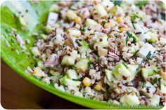 Salade composée au quinoa, courgette, thon, maïs et ciboulette du balcon