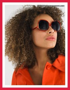 Hair: I love this natural hair style! I should try this one a theses day!... Love the color too!