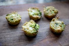 Bored or frustrated with packing healthy lunches? Try these delicious baked quinoa bites. Full of hearty proteins and minerals, they are the perfect snack, side or meal for on-the-go eating.