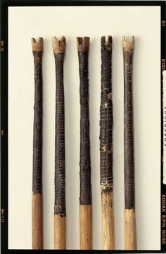 Details of early iron age arrows from Nydam bog in Denmark - beautiful decorative details on the nock ends Medieval Archer, Medieval Life, Traditional Bow, Traditional Archery, Archery Arrows, Bow Arrows, Arrow Tools, Medieval Crafts, Archery Equipment