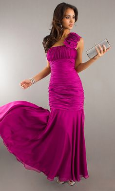 Long One Shoulder Magenta Silky Crep Formal Gown Ruched Flower 159,99$