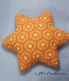 Free African Flower Sea Star Crochet Pattern by Jo's Crocheteria  #freecrochetpattern #crochet #crochetpattern #crochetafricanflowers
