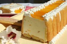 (Romania) Prajitura cu iaurt si frisca - Yogurt and Cream Cake Sweets Recipes, Easy Desserts, Delicious Desserts, Romanian Desserts, Romanian Food, Romanian Recipes, Dessert Drinks, Pie Dessert, Cheesecakes
