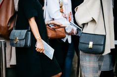 Street style à la Fashion Week printemps-été 2017: Céline