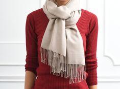あなたは大丈夫?「ひと昔前」に見えないストールの巻き方&選び方|LIMIA (リミア) Plaid Scarf, Scarves, Winter, Fashion Tips, Paris, Scarfs, Winter Time, Fashion Hacks, Tie Head Scarves
