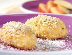 Apfelnockerln mit Butterbröseln Rezept Apple dumplings with buttered crumbs recipe Apple Recipes, Sweet Recipes, Baking Recipes, Whole Food Recipes, Snack Recipes, Dessert Recipes, Snacks, Gourmet Desserts, Healthy Desserts
