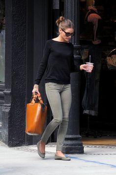 I love Olivia Palermo's style. Black, grey skinnies, tan. She manages to make total basics look chic.