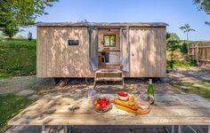 Peek Inside the Cutest Little Vacation Hut in the English Countryside