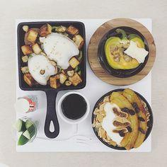 . goooooood morning suuuuunday :-D))) . #goodmorning #morning #breakfast #yummy #goodfood #instafood #onthetable  #homemade #foodie #foodstagram #igfood #foodphotography #foodphoto #yum #2eat2gether ##早安 #おはようございます #おはよう #S_S_iloveBreakfast #朝食 #早餐 #baking #烘培 #焗烤蒜片麵包丁花枝盤 #baked_garlic_croutons_squid #onepot .