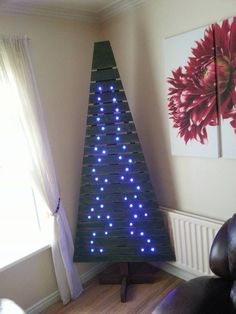 Pallet Tree with Lights | 99 Pallets
