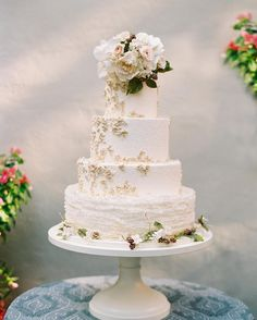 Ending today on a sweet note with a gorgeous cake by @maggieaustincake! Maggie always creates a true work of art. Seen on @stylemepretty today. Loved working with a fabulous team. Planner: @jeannettetav at @evoke_dc Photography: @abbyjiu Flowers  Design: @davidbeahm Catering: @occasionscaterers Calligraphy: @lhcalligraphy Dress: @marchesafashion Dress boutique: @carinesbridal Rentals: @dceventrentals Cake: @maggieaustincake Paper @hautepapier Tent: @sugarplumtents Band: #nightsong by abbyjiu