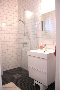 Kylpyhuoneet   Valkoinen Harmaja  