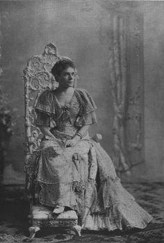1893 Photo of dress worn by Eulalia during visit to Washington DC