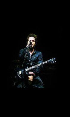 Se merece un re-pin. WOW. Gustavo Cerati Soda Stereo, Good Music, My Music, Perfect Love, My Love, Beatles, Rock Argentino, Weak In The Knees, Film Music Books